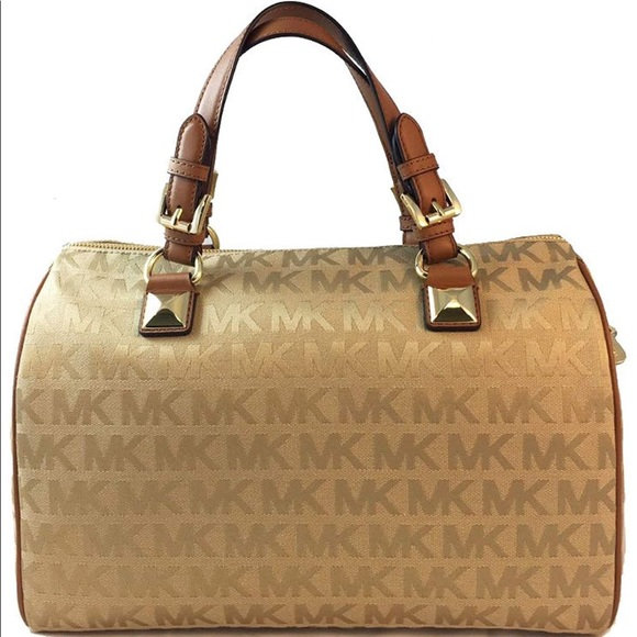 Michael Kors Handbags - NWT Greyson Micheal kors bag